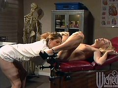 Ava Vincent has lesbian sex with Temptress at a medical examination. Slim blonde babe gets her pussy licked and then toyed with a strapon.