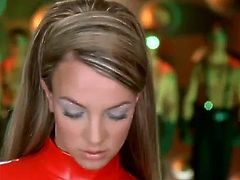Britney Spears - Oops!... I Did It Again (Uncut 2)