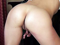Lorena G with tiny boobs and smooth cunt parts her legs on cam and feels no shame