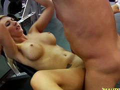 Stunning blonde chick decides to have another training in the gym. She takes clothes off and starts to suck big cock. Later on she gets fucked intensively.