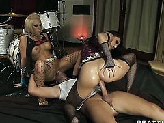 Jenny Hendrix  Aletta Ocean and her hot fuck buddy Keiran Lee enjoy anal sex too much to stop