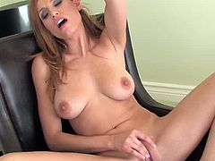 Alluring Jamie Lynn shows off in naughty solo by touching her wet forms