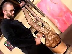 Courtesy of VideosZ you can see the alluring blonde temptress Melissa Lauren as she gets bound and throatbanged by a horny dude in this nasty free bdsm video.