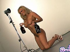 Natural Tits Blonde Babe Performs Erotic Solo