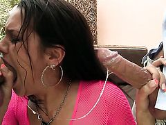 Steve Holmes bangs gorgeous Samia Duartes back yard in every position before she gives suck job