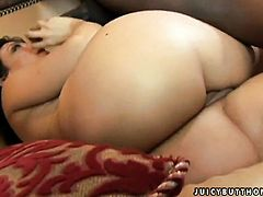 Ricki White with huge tits is too hot to stop rubbing her love box