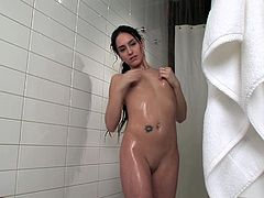 Sweet Amylee along her trusty toy in a stunning anal solo
