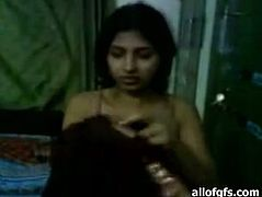 Rubbish Indian girl gives head and fucks missionary style in homemade sextape