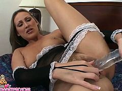 Kinky and lew mature slut Mandy Bright in sexy black lingerie and high heels plays with sex toy and fingerfucks her pussy.