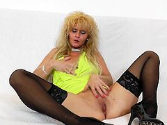 Euro mature slut in a nasty pussy masturbation show along her toy