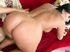 Kendra Secrets gives giving oral pleasure to hot dude