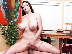 Eva Notty is wet as the ocean in this steamy scene with Kurt Lockwood with lots of pussy fucking