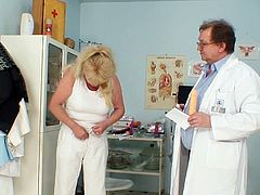 Mature patient along horny doctor
