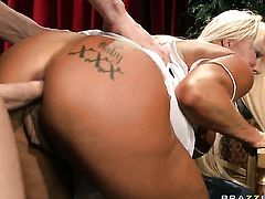 Johnny Sins gets pleasure from fucking unthinkably hot JR Carringtons bum