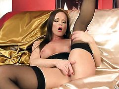 Silvia Saint plays with herself on cam