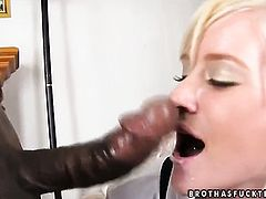 Blonde Naomi Cruise gets a mouthful of schlong in oral action with horny bang buddy
