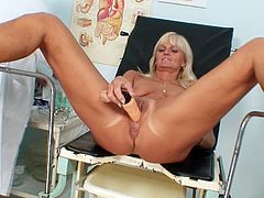 Its been a while since her cramped vag had been so wide spreaded