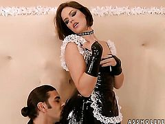 Brunette Bobbi Starr gets her honeypot stretched by hard love stick