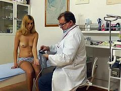 Full sensations over her wet pussy during top gyno exam