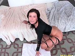 curvy milf get down on her knees to suck thick cock