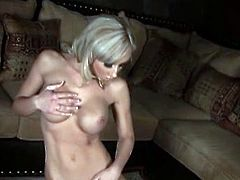 Jessica Lynn gets naked and goes solo.She is so delicious and damn hot.So babe sits on that vibrator and moans so sensually.Playing around with her pussy on this machine,Can't miss that!