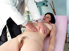 After a quick check mature lady starts to feel horny to fuck