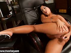 Blonde minx Angelica Heart with gigantic boobs fucks herself like mad in solo action