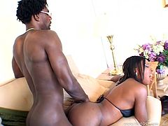 Take a look at this ebony babe's big round ass as she sucks on this guy's big cock outdoors. Watch them going inside so he's able to penetrate her sweet black pussy.