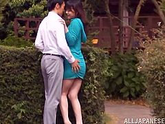 Outdoor blowjob scene with Japanese cutie Yuuki Itano