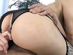 Sarah Shevon gets her butt drilled by Mr. Pete the way she loves it before deep blowjob