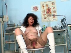 Naughty by nature mature slut starts masturbating at work