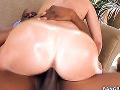 Krissy Lynn with bubbly butt lets dude shove his rock solid meat stick in her mouth