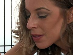 She loves to give warm blowjobs in each of her massage sessions