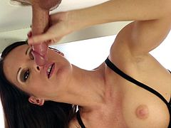 Nuru Network's hottie, Jennifer Dark, amazes with her warm hands and juicy mouth