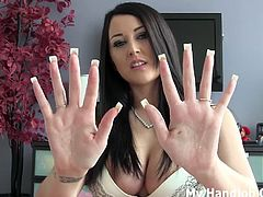 My Handjob Girls brings you a hell of a free porn video where you can see how these gorgeous blonde and brunette belles give their men hot pov handjobs while assuming very hot poses.