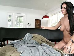 Amber Cox with bubbly booty makes dude squirt the load out in steamy sex action