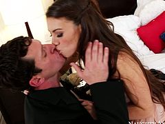 Gorgeous brunette girl Tiffany Doll serves her tasty pussy for horny ass dude Preston. He polishes her pussy properly before she starts sucking juicy cock balls deep.