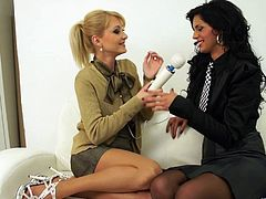 Gorgeous ladies have an amazing lesbian scene
