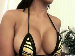 Slutty and filthy whore with nice body and sexy ass takes off her lingerie and shows her nice boobs. Have a look in steamy The Indian Porn sex clip.