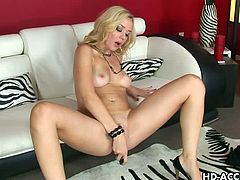 Hot blonde annette schwartz dildos her sweet ass