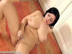 Press play on this solo scene and take a look at Ellen's big natural tits as this beautiful brunette masturbates with a dildo.
