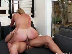 Buxom diva Brooke Wylde rides Johnny Castle's dick like a real cowgirl