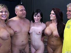 Whorable sluts Nikki Sexx and Jennifer White share one cock