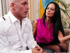 Fucktastic whore wife Ava Addams cheats on hubby with Derrick Pierce