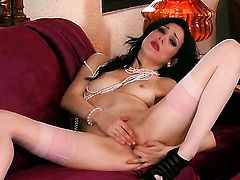 Aiden Ashley with needy muff pie goes solo