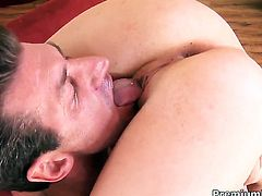 Sindee Jennings gets banged so hard that her love tunnel will never be tight again