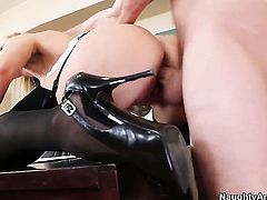 James Deen makes his sturdy cock disappear in saucy Tanya Tates love box