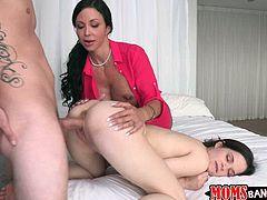First, Jewels Jade gives mind-blowing titjob. Then, Jenna Ross stands on her all four getting screwed doggy style. Meanwhile Jewels Jade eats Jenna's ass.