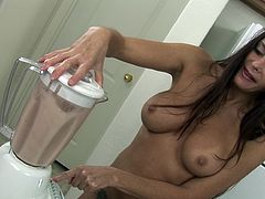 She loves shaking those fine tits while playing harsh with her creamy vag in dirty solo cam shows