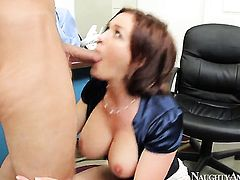 Krissy Lynn with bubbly booty and smooth pussy takes Bill Baileys rod in her love hole